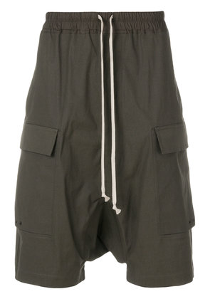 Rick Owens drop-crotch cargo shorts - Green