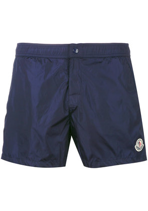 Moncler logo plaque swimming trunks - Blue