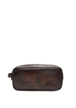 Formula 1003 leather washbag