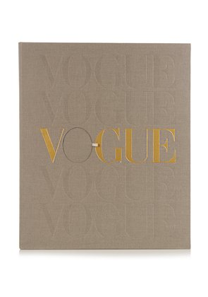 Vogue Voice of a Century signed book