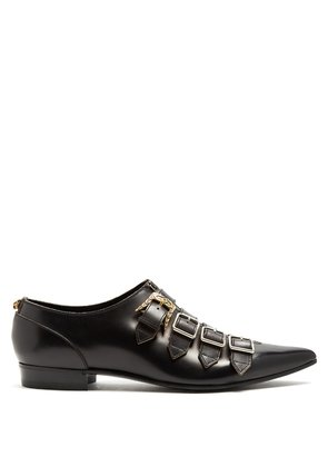 Buckle-fastening point-toe leather shoes