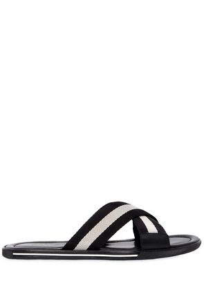 RUBBER SANDALS W/ WEB CRISSCROSS STRAPS