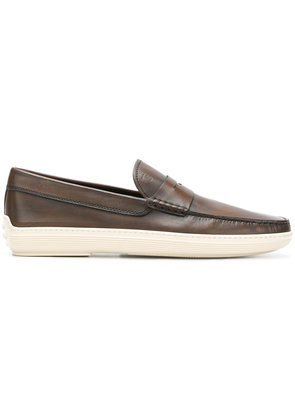 Tod's distressed penny loafers - Brown