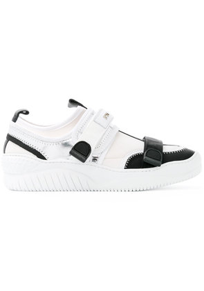 No21 click-buckle trainers - White