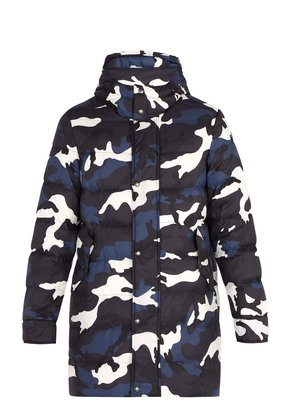 Camouflage-print quilted down jacket