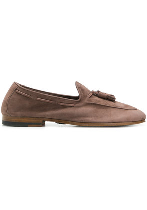 Andrea Ventura stitch trim loafers - Brown