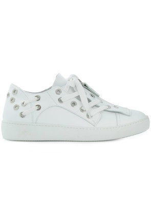 No21 eyelet embellished sneakers - White