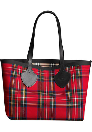 Burberry The Medium Giant Reversible Tote in Vintage Check - Red