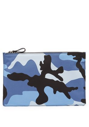 Flat camouflage pouch