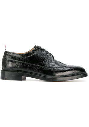 Thom Browne Classic Longwing Brogue In Patent Leather - Black