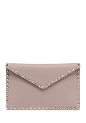 ROCKSTUD LEATHER ENVELOPE POUCH