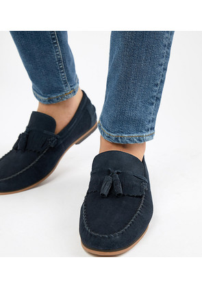 ASOS DESIGN Wide Fit Tassel Loafers In Navy Suede With Fringe And Natural Sole - Navy