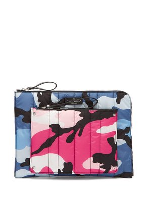 Camouflage padded pouch