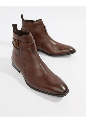 ASOS DESIGN Chelsea Boots In Brown Leather With Strap Detail - Brown