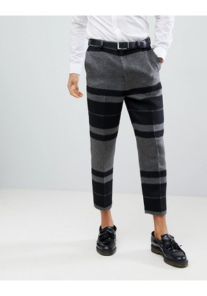 ASOS DESIGN Tapered Smart Trousers In Hairy Bold Stripe - Grey