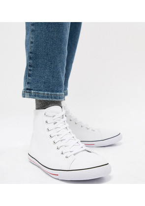 ASOS DESIGN Wide Fit mid top plimsolls in white canvas - White