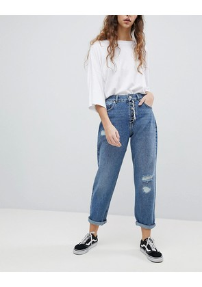 ASOS DESIGN relaxed boyfriend jeans in mid wash blue - Mid wash blue