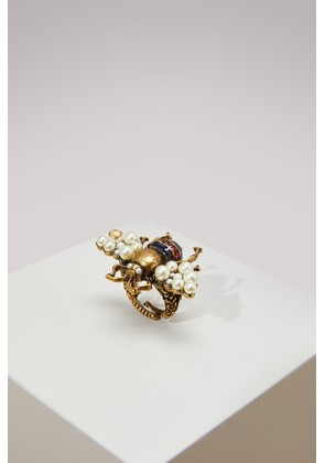 Bee ring with crystals and pearls