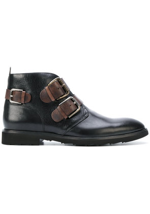 Dolce & Gabbana buckled boots - Brown