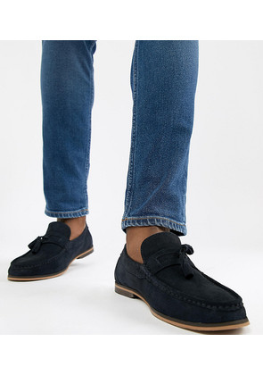 ASOS DESIGN Wide Fit Tassel Loafers In Navy Suede With Natural Sole - Navy