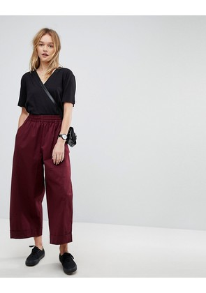 ASOS Balloon Fit Wide Leg Chinos In Port Royale - Red