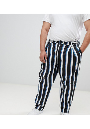 ASOS DESIGN Plus wide balloon trousers in all over stripe - Black