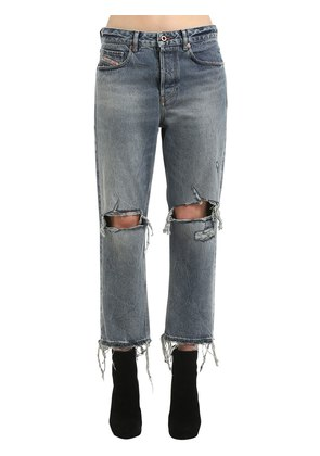 MID RISE DESTROYED STRAIGHT LEG JEANS