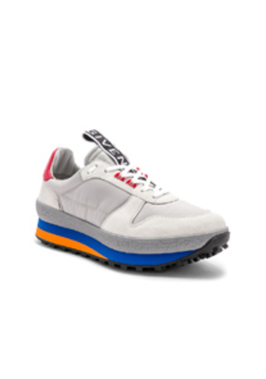 Givenchy TR3 Runner Low in Gray