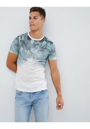 New Look t-shirt with floral fade print in green - Green pattern