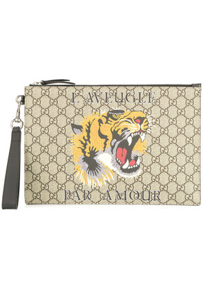 Gucci GG Supreme pouch with print - Brown