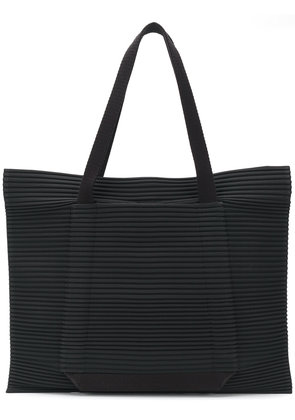 Homme Plissé Issey Miyake oversized pleated tote - Black