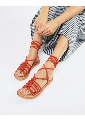 ASOS DESIGN Fredo suede knotted two part with tie leg - Red suede