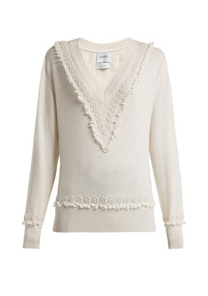 Romantic Timeless V-neck cashmere sweater