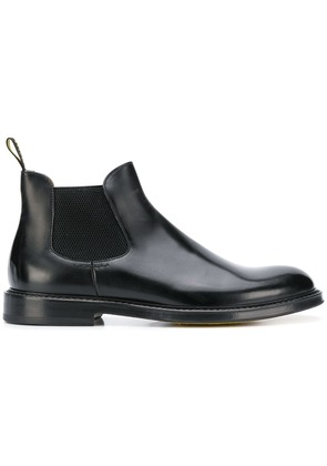 Doucal's round toe boots - Black