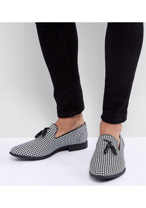 ASOS Wide Fit Tassel Loafer in Black And White Check - Multi
