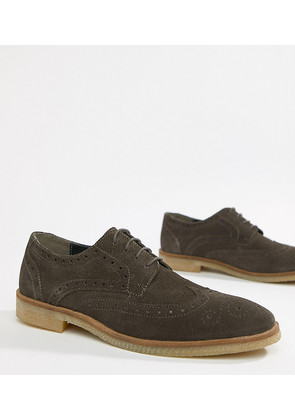 ASOS DESIGN brogue shoes in grey suede with natural sole - Grey
