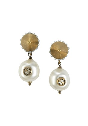 Gucci Interlocking G pearl pendant earrings - Metallic