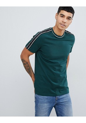 New Look t-shirt with arm stripe in dark green - Mid green