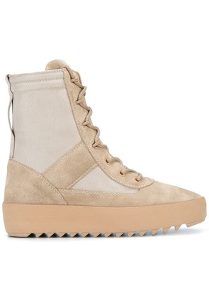 Yeezy military boots - Nude & Neutrals