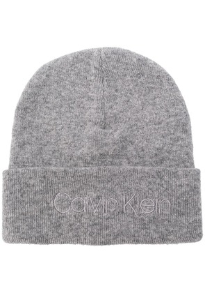 Calvin Klein embroidered logo beanie - Grey
