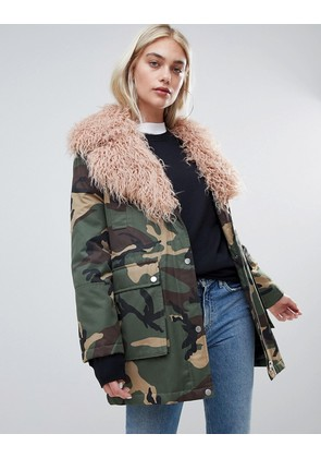 ASOS DESIGN mongolian faux fur camo jacket - Multi