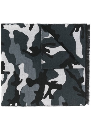 Valentino camouflage print scarf - Grey