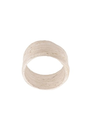 Detaj textured finger ring - White