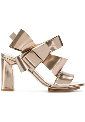 Delpozo bow strappy sandals - Metallic