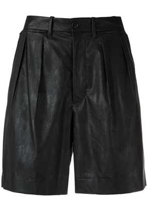 À La Garçonne pleated bermuda shorts - Black