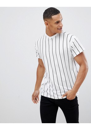 New Look t-shirt in white stripe - White