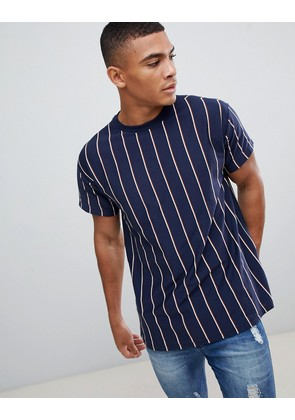 New Look t-shirt in navy stripe - Navy