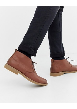New Look faux leather desert boots in tan - Tan