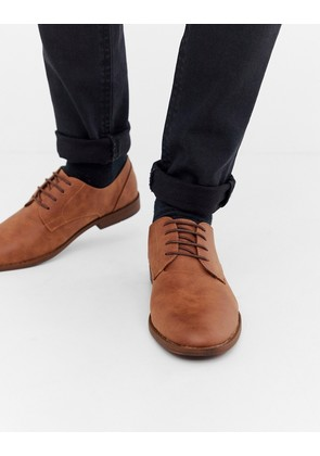New Look faux leather derby shoes in tan - Tan