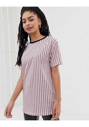 New Look vertical stripe long line tee in pink pattern - Pink pattern